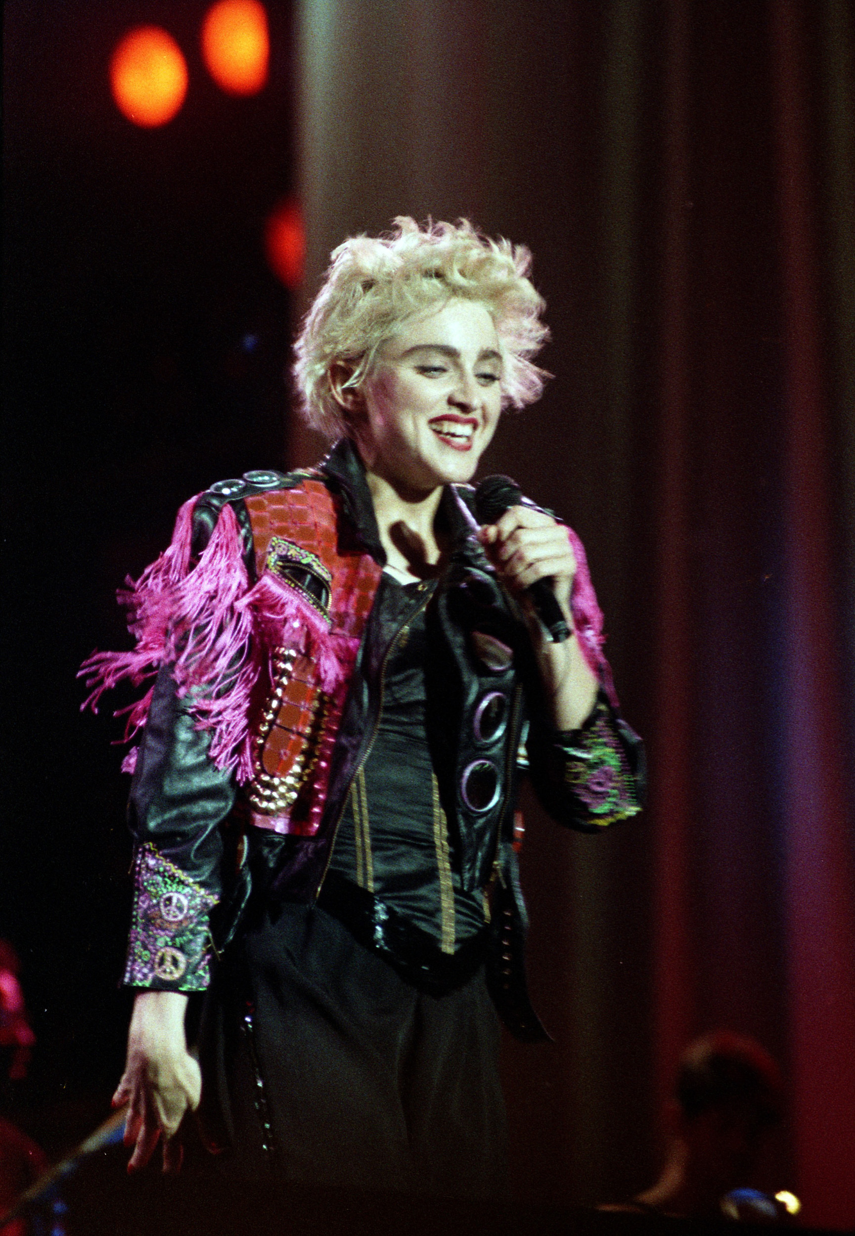 pop muziek popmuziek muzikanten artiest Madonna Wembley Stadium Londen London Engeland 19-08-1987 Queen of Pop Whos That Girl tour Amerikaanse zangeres