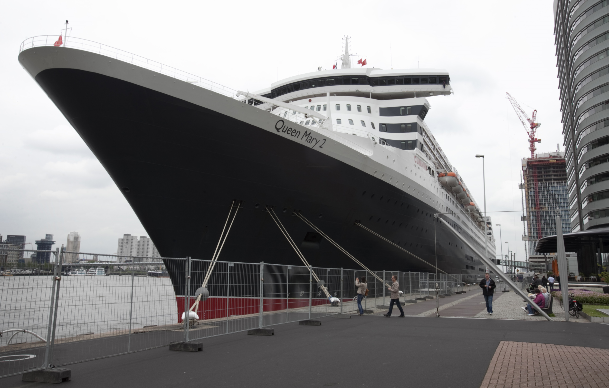 Havens Rotterdam Queen Mary 2