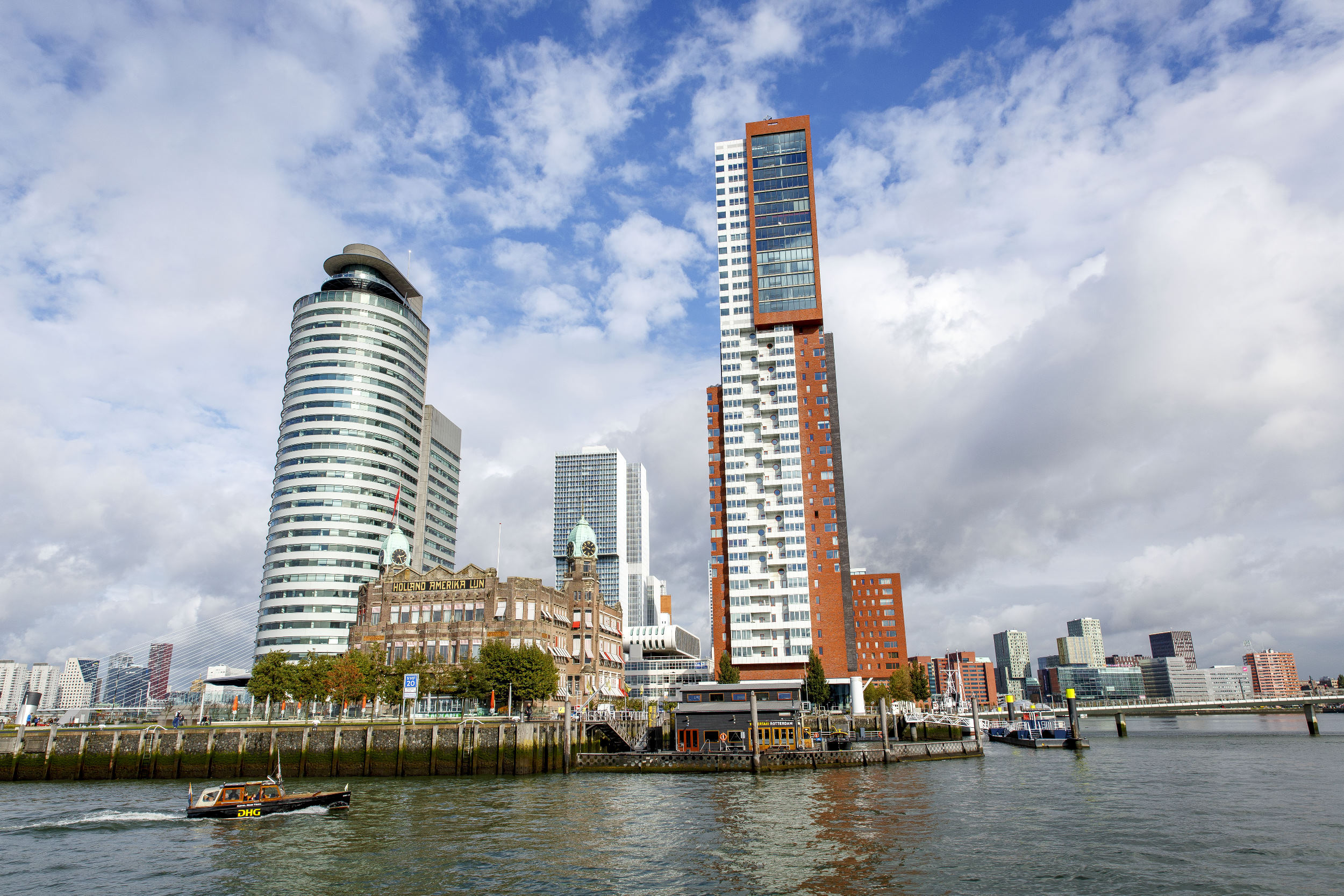 Rotterdam Haven Hotel New York Kop van Zuid Watertaxi Wilhelminapier
