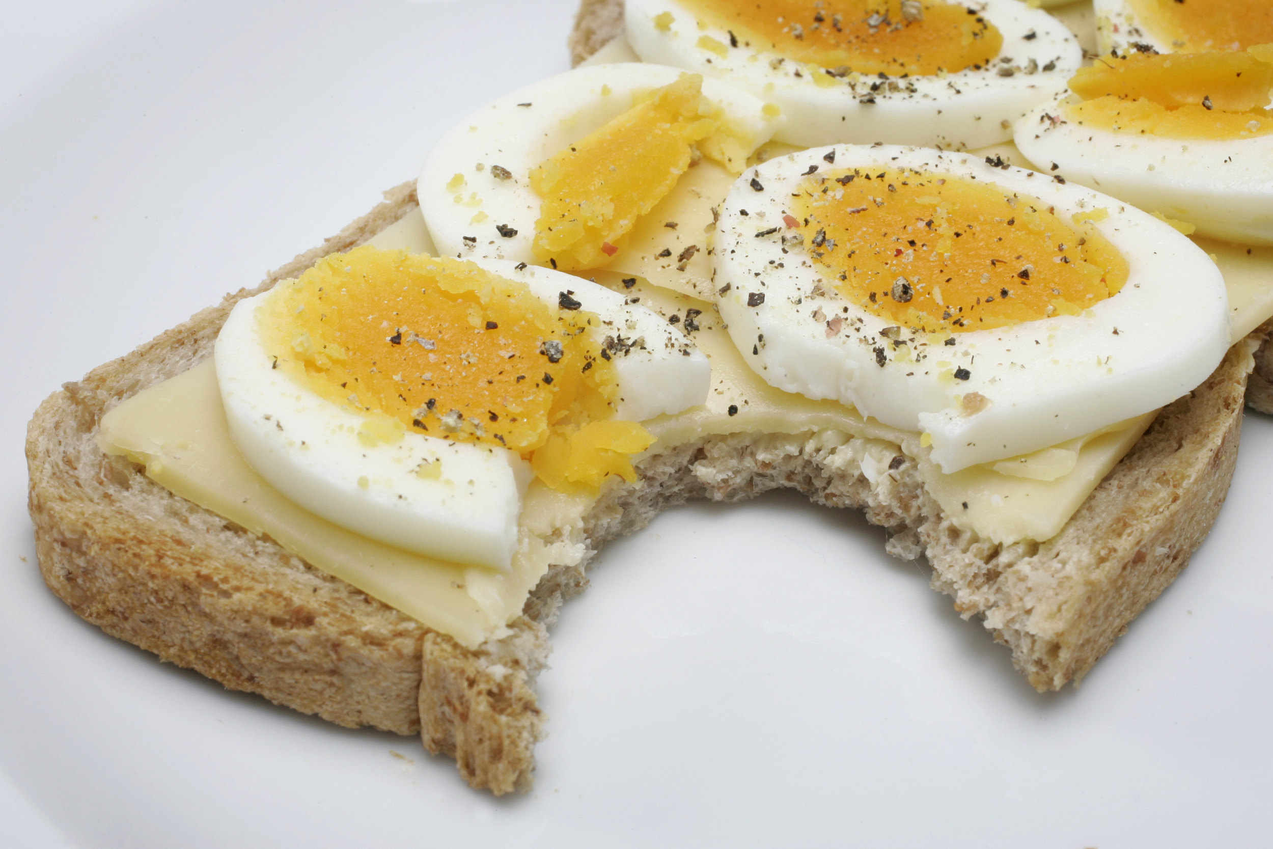 lunch brood bread kaas cheese ei egg boterham sandwich peper pepper zout salt