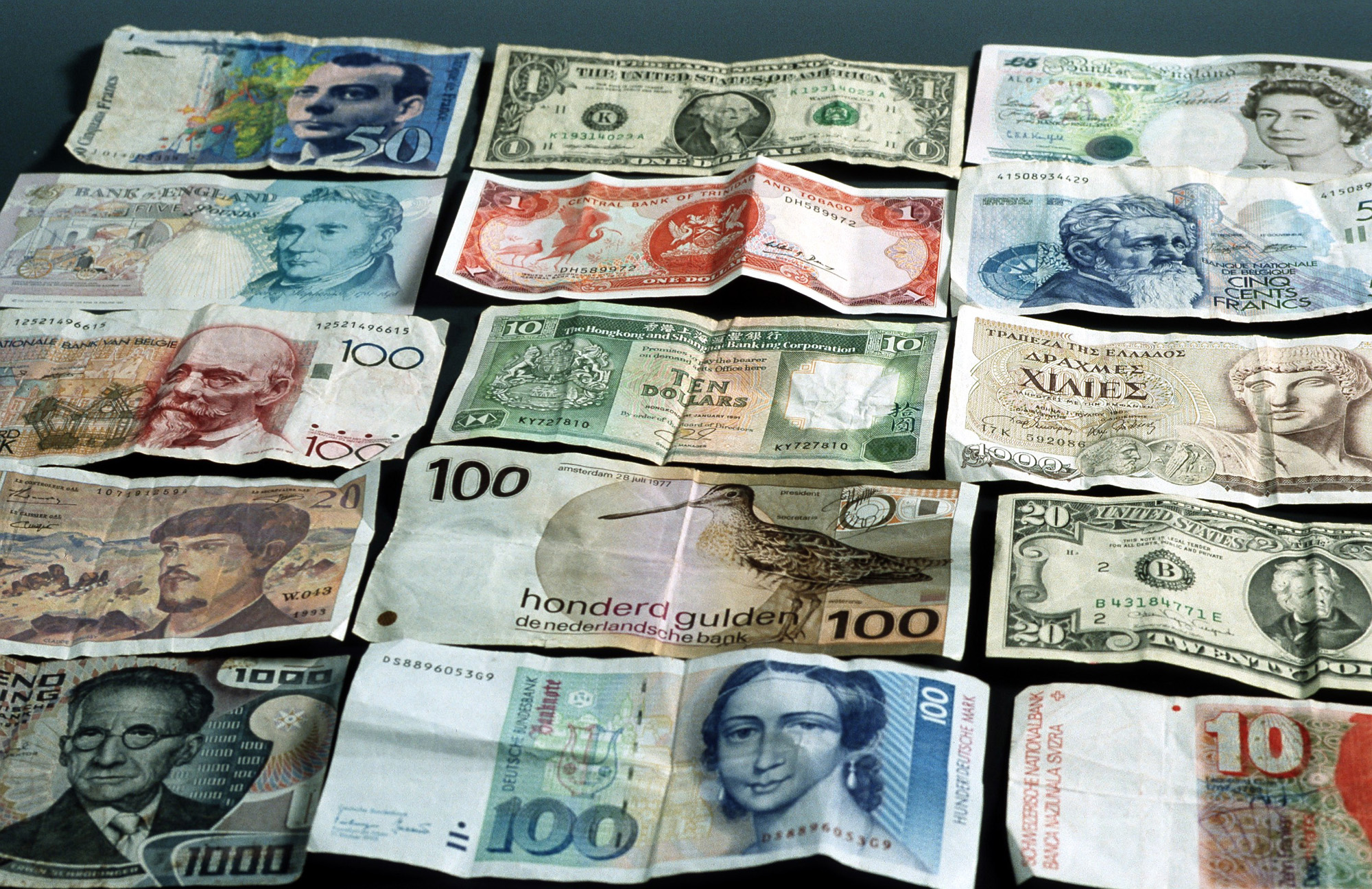 bankbiljet, banknote, gulden, dollar, schilling, frank, franc, pounds, buitenland, geld, money, financieel, briefgeld, bills, papiergeld