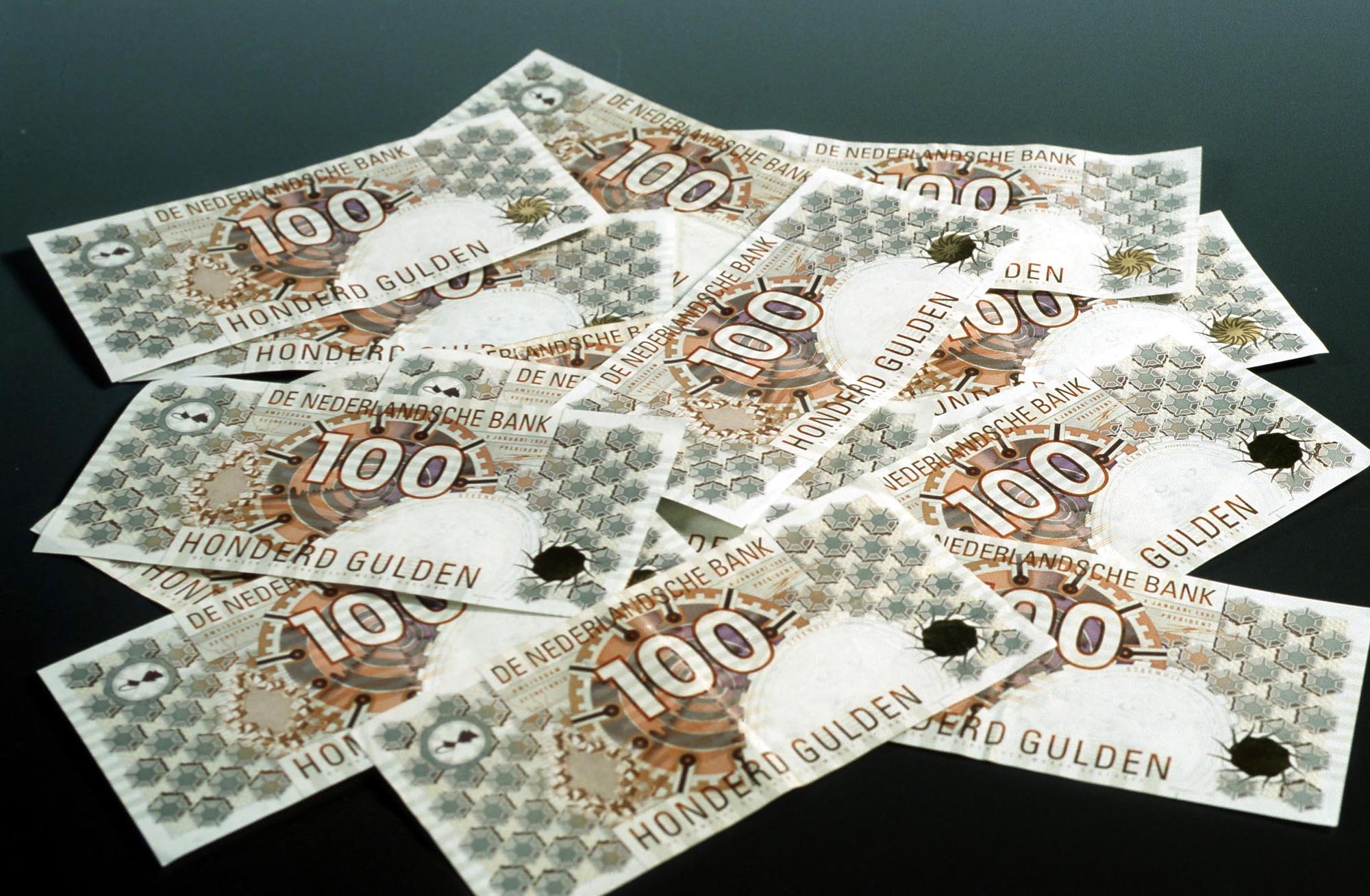 geld, money, bankbiljet, banknote, honderd, gulden, briefgeld, bills, papiergeld, Nederlands, Dutch, Netherlands