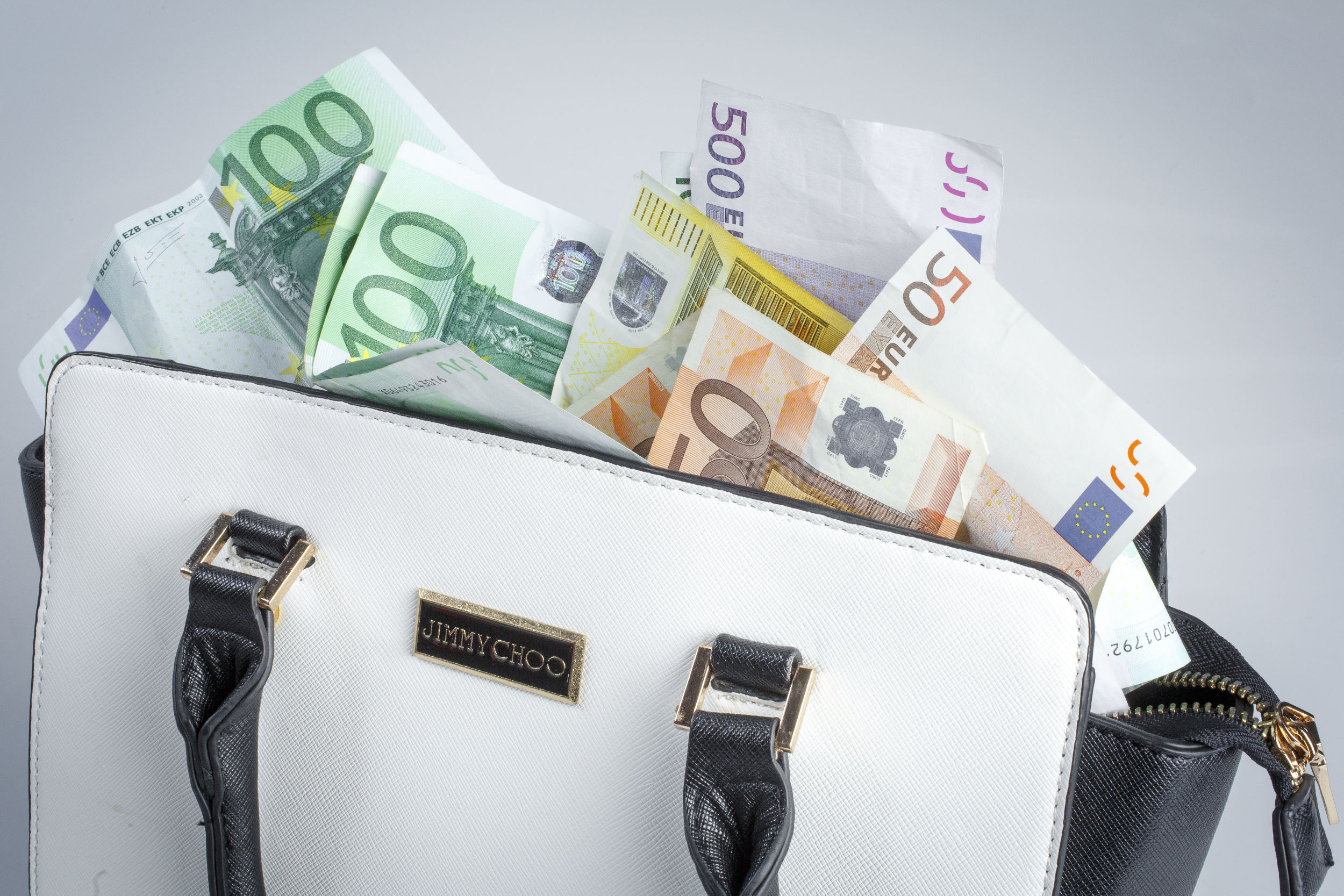 geld, money, sparen, savings, spaarpot, tas, bag, briefgeld, papiergeld, bills, briefje, contant, cash