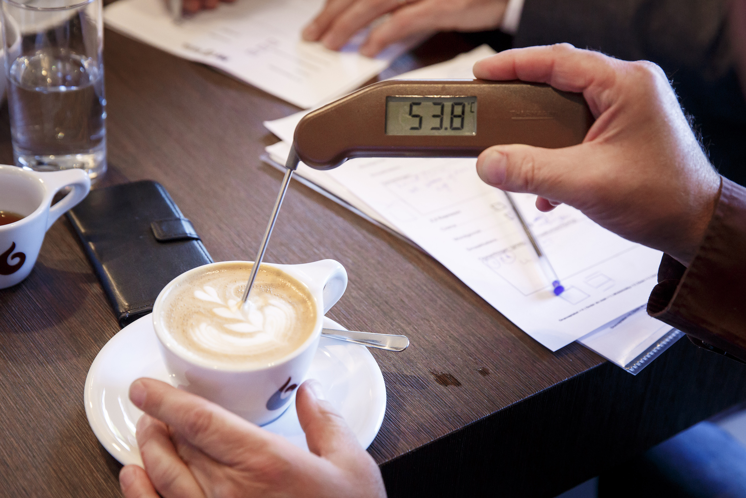 koffie cappuccino latte art thermometer temperatuur