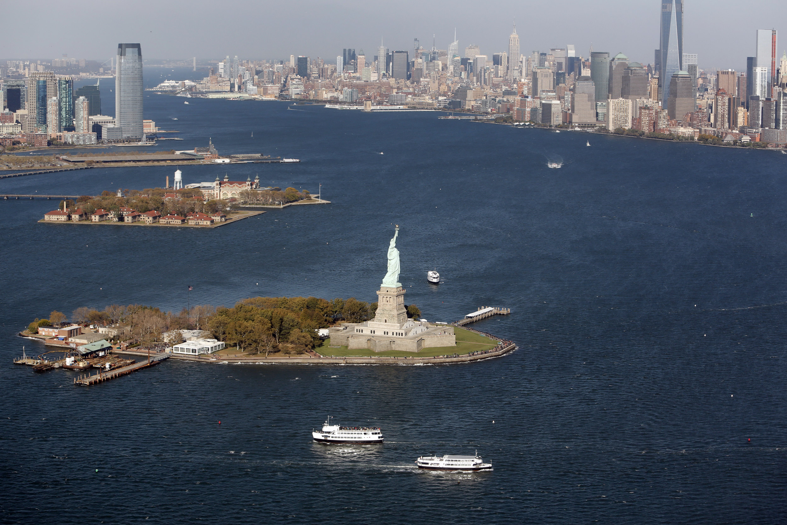 Luchtfoto uitzicht USA Verenigde Staten New York City Vrijheidsbeeld Liberty Island skyline Manhattan Ellis Island